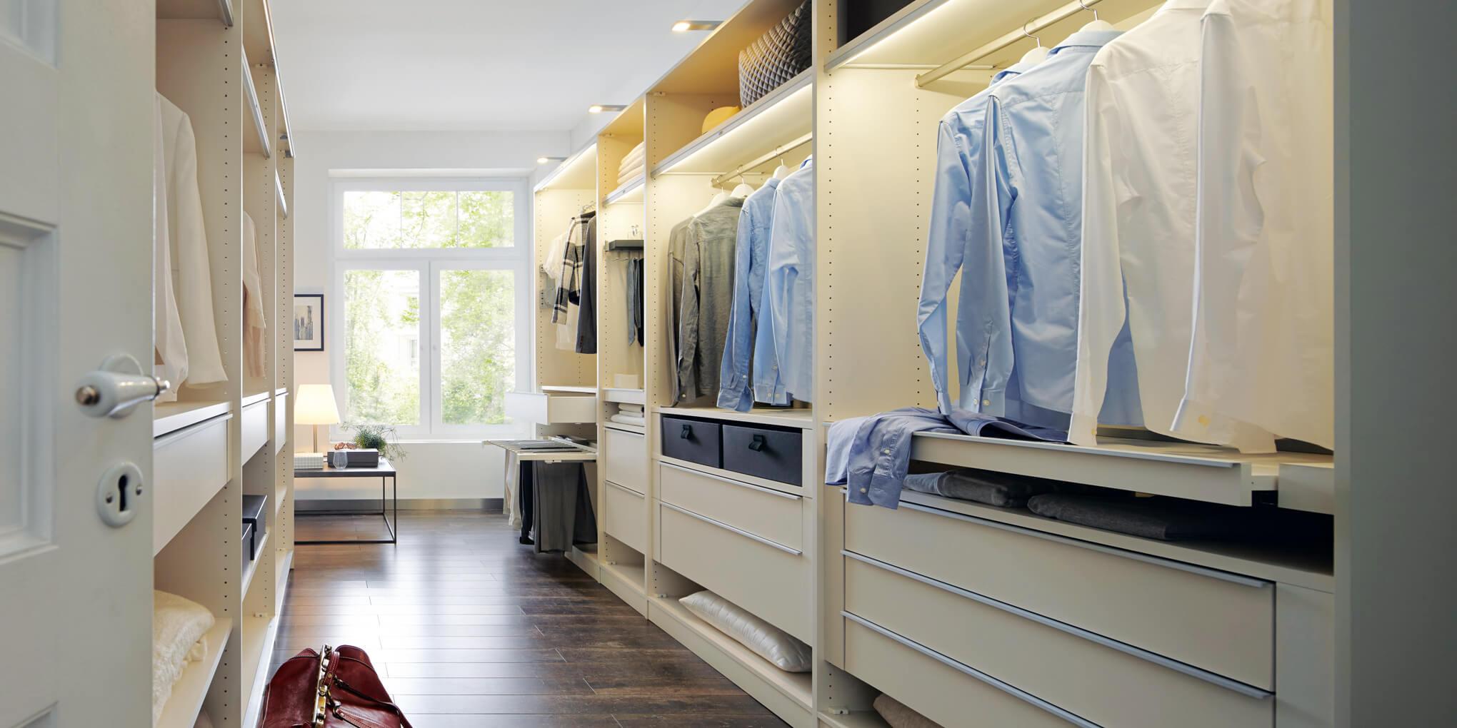 Kleiderschrank Einrichten Die 7 Besten Tipps Fur Mehr Uberblick