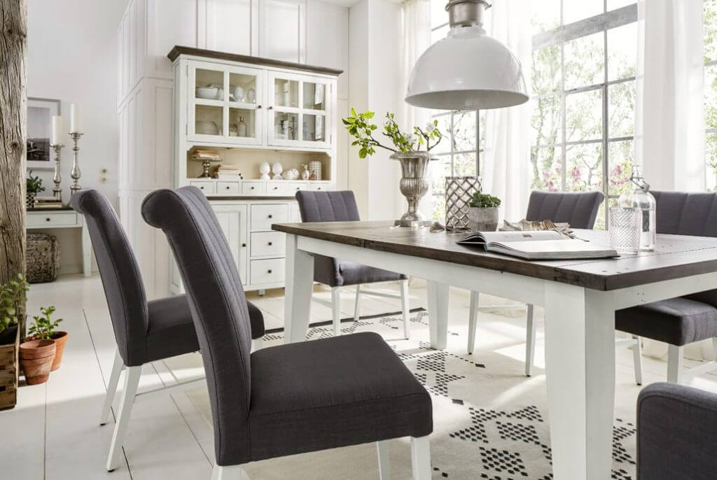 Kuboth Esszimmer Schwarze Stuehle Tisch Weiß