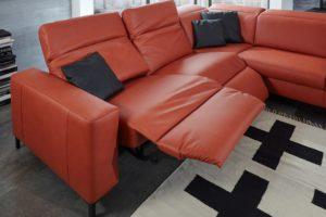 Kuboth Sofa rot mit Funktion perfekt zum Entspannen